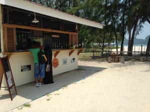 MY Tanjung Rhu burka