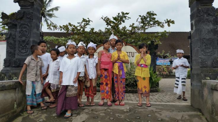 Bali school kids
